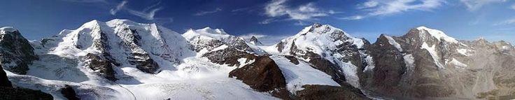 Bernina, pohled od Diavolezza. Zleva doprava: Piz Palü, Bellavista, Piz Argient, Piz Bernina s Biancograt, Piz Prievlus, Piz Morteratsch, Fo...