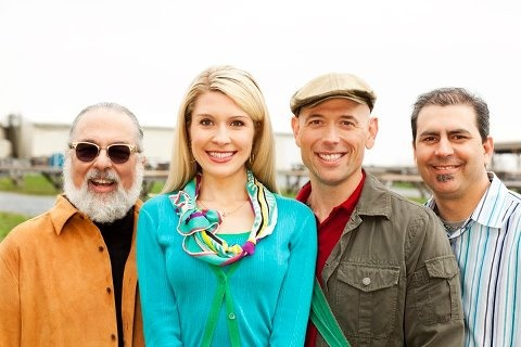 Home | Market Warriors | PBS  Four seasoned treasure hunters embark on an antique adventure in Market Warriors, a new series from the producers of Antiques Roadshow. It premieres tonight, 7/16/12, at 9pm on PBS Hawaii.