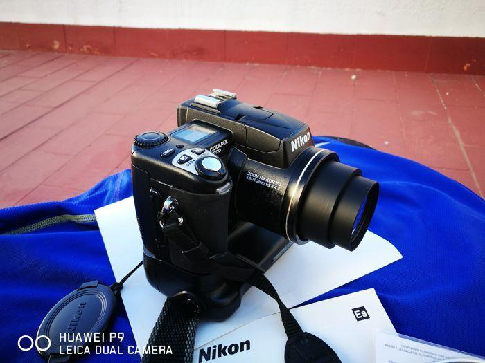 Nikon Coolpix 5700  Nikon Coolpix 5700 in goede staat met de originele doos en accessoires met een ingebouwde MB E-5700 batterijgrip in zeer goede staat. Het wordt geleverd met batterijen in de greep en een batterij in de camera. Het maakt gebruik van een CF-kaart die niet is meegeleverd met de camera.  EUR 1.00  Meer informatie