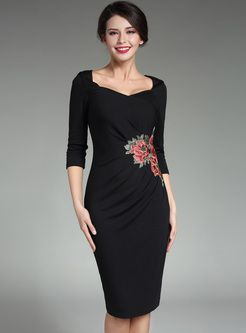 Vintage Flower Embroidery Pleat Skinny Dress