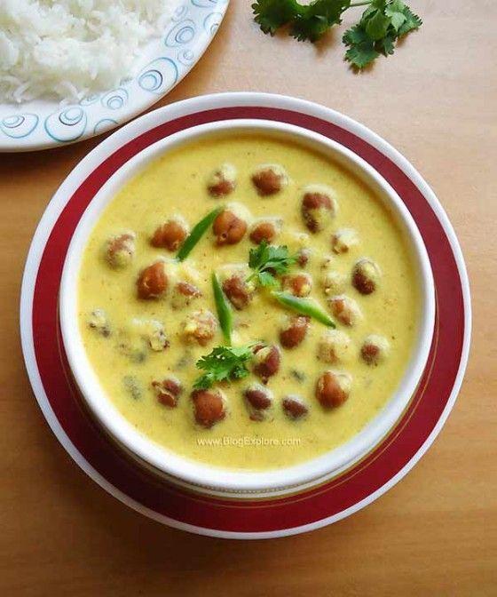 jaisalmeri kala chana, rajasthani kala chana recipe, black chickpeas in yogurt gravy recipe