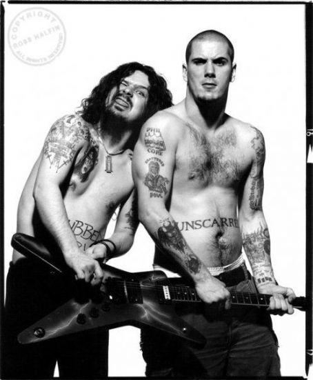 http://ononeonline.com-Dimebag Darrell & Phil Anselmo