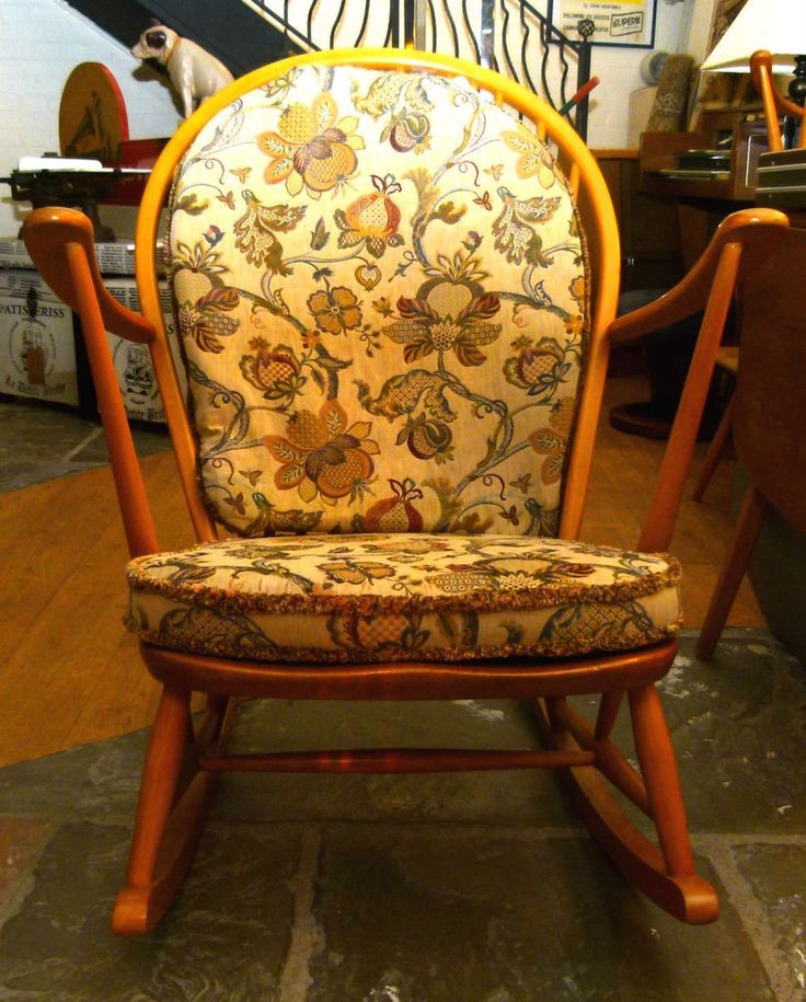 WONDERFUL ERCOL BLONDE WOOD ROCKING CHAIR