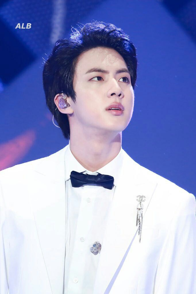 Pin By Á´¬Ê³áµÊ¸á´¸â±á¶áµ‰ On Bts Jin Seokjin Bts Jin Worldwide Handsome