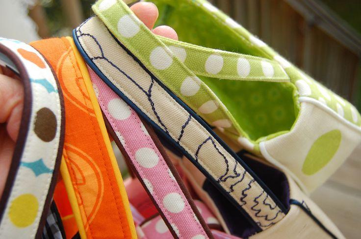 DIY divers types d'anses et comment les coudre avec plusieurs options sur des sacs simples.