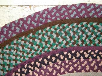Making Braid Rugs From Colonial Sense