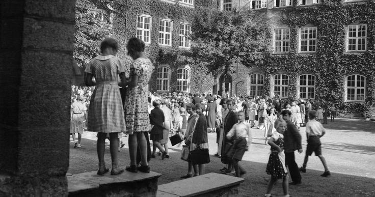 Nygård skole. Fotografi skapt av Olai Schumann Olsen  Laget mellom 1920-01-01 og 1939-12-31 Signatur:  ubb-so-0353