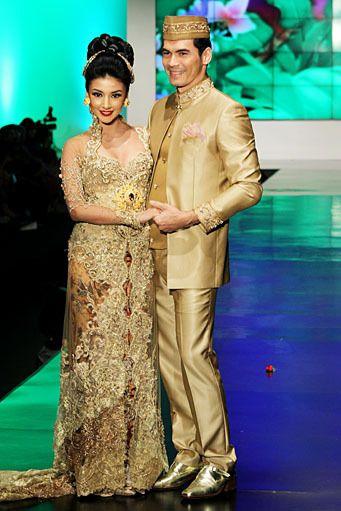 Wedding Kebaya Dresses 2012 By Anne Avantie
