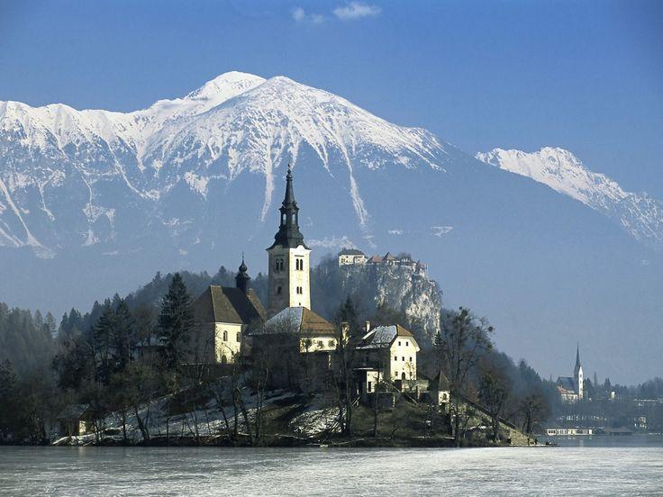 SloveniaBled Slovenia, Beautiful Slovenia, Alps View, Beautiful Country, Beautiful Places, Karavank Alps, Lakes Bled, Alps Slovenia, Bled Karavank