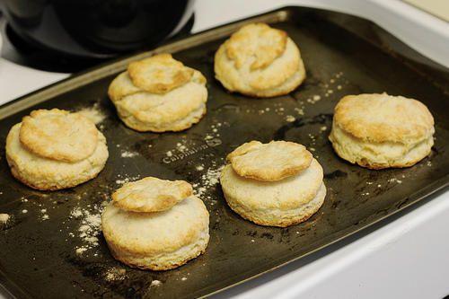Un plat de biscuits
