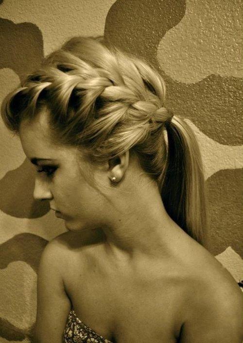 loose braided ponytail