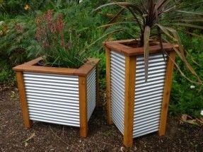 Corrugated Metal Fence Panels | MINI GARDEN LARGE THREE TUB PLANTER