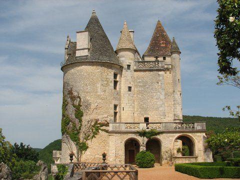 Chateau near the Dordogne river