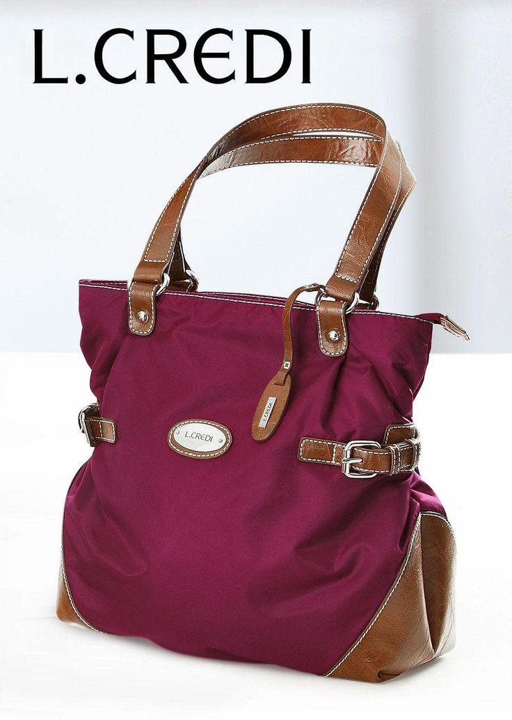 #Handtasche von L. CREDI in modischem bordeaux rot ©Atelier Goldner Schnitt   www.ateliergs.at