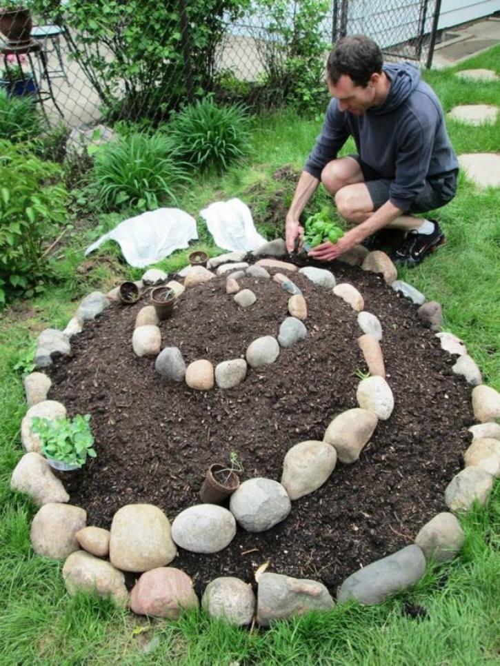 15 bewundernswerte und kreative DIY Spiral Garden …