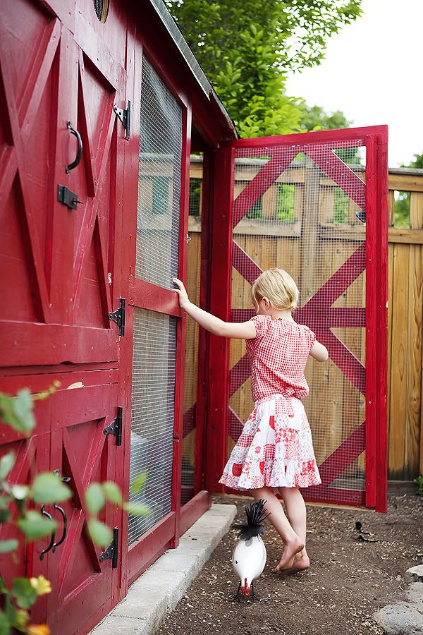 amazing chicken coop, love the design and colors