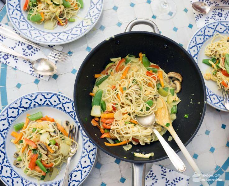Curry Nudeln mit Gemüse & Krabben - Madame Cuisine