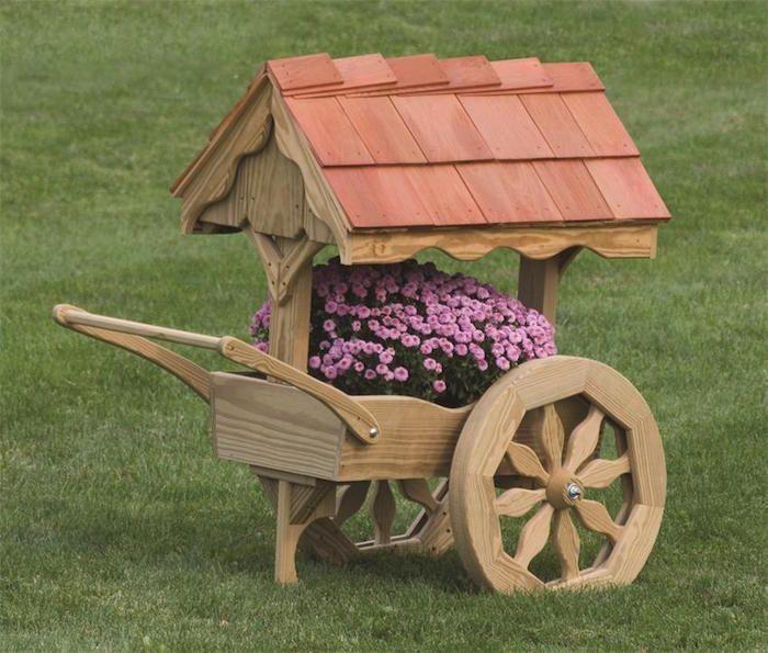 Fabriquer Une Jardiniere En Bois Mode D Emploi Et 35 Belles Idees En Photos Archzine Fr Jardiniere En Bois Brouette En Bois Jardins En Bois