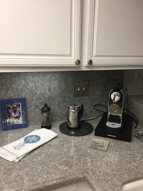 Ocean Jasper Quatz Countertop Kitchen Cabinet Design