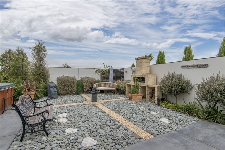 Ohoka, 145 Dawsons Road   What an awesome outdoor living area   Sue & Gemma Roberts