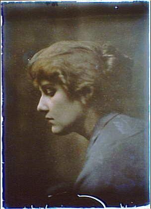 Head,shoulders,woman,autochromes,blue,females,portrait photographs,A Genthe,1906