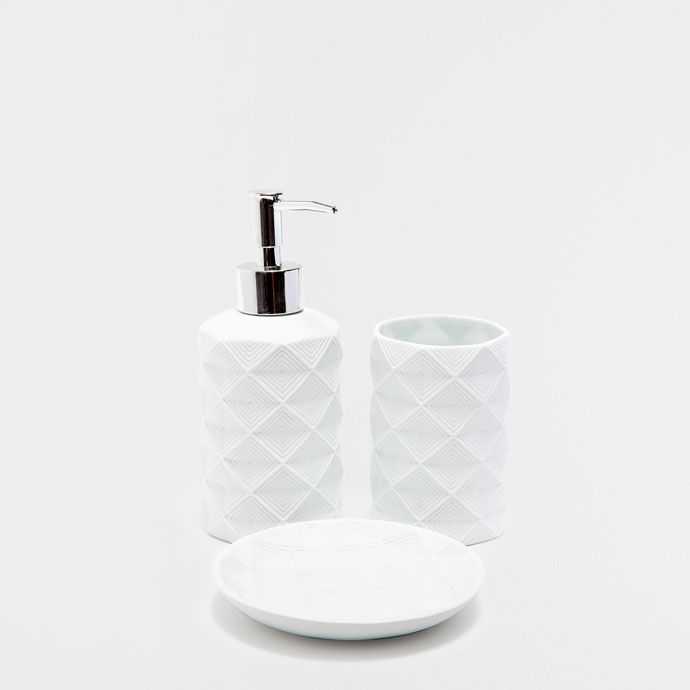 Accentuate Your Bathroom In AW 2017 With Soap Dishes Or Dispensers U0026 Pink,  Blue, White, Bamboo Or Glass Bathroom Accessories In The Zara Home  Catalogue.