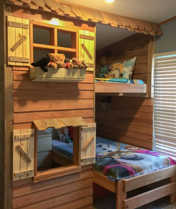 Log cabin bunk beds made from 90 reclaimed material for Log cabin style bunk beds