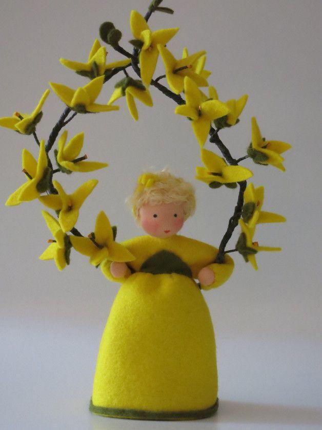 Frühling - Forsythie - Blumenkind - Jahreszeitentisch - ein Designerstück von Katjas-Puppenstuebchen bei DaWanda