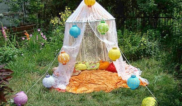 33 Romantic Outdoor Canopies and Tents Made with Mosquito Nets and Fabrics, DIY Summer Decorating Ideas
