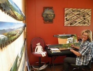 Julie Oliver working from her #art studio in Mangaweka, #NZ. #newzealand #thecountryroad #blog #the100kmshoppinglist