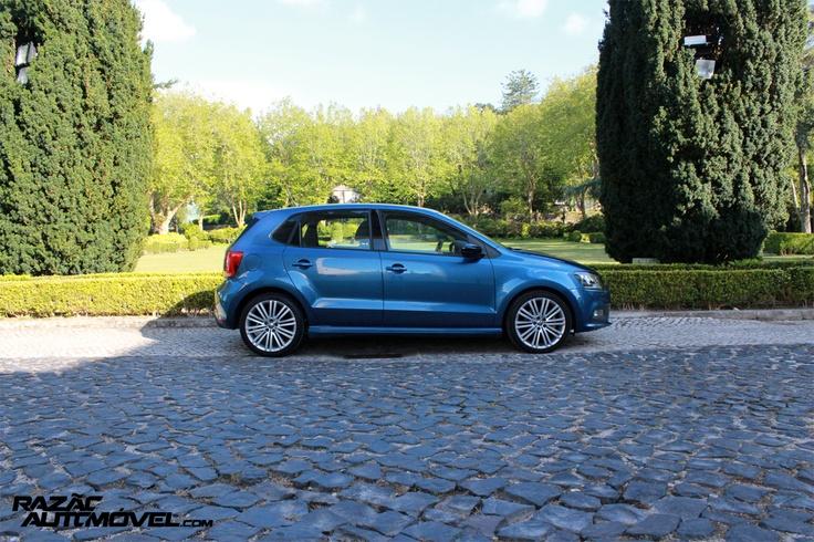 http://www.razaoautomovel.com/2013/06/volkswagen-polo-blue-gt.html | Volkswagen Polo Blue GT um desportivo sem «purpurinas»