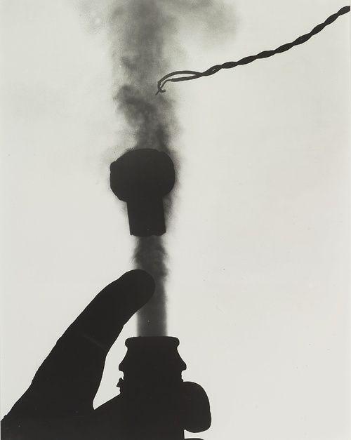 Harold Edgerton (1903-1990) - Champagne (Popping the Cork), ca 1939. S)