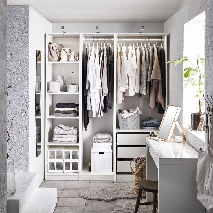 Ikea Deutschland Malm Und Pax Kann Man Ganz Leicht Kombinieren So Wie Hier Mit Dem Malm Schminktisch Der Ikea Pax Wardrobe Wardrobe Systems Closet Bedroom