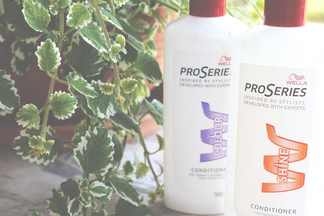 - PRO SERIES WELLA INSPIRED BY STYLIST - COLOUR AND SHINE CONDITIONER -
