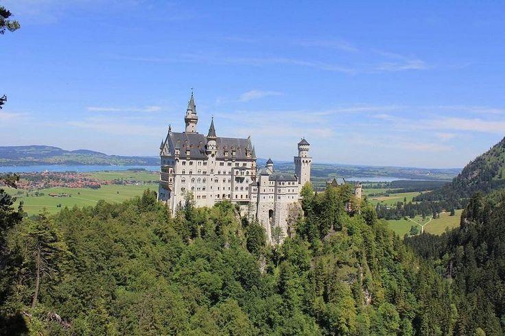 "Neuschwanstein Castle ""New Swanstone Castle"" near Füssen in southwest Bavaria, Germany  Photo taken by me 2011  #germany #tyskland #füssen #fussen #bavaria #ostallgäu #neuschwanstein #castle #hohenschwangaucastle #photobyme #natural #nature #lovely #beaut"