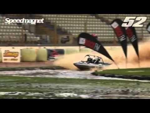 Deux pilotes frôlent la mort lors dune course de Speedboat