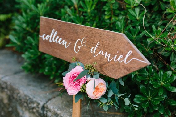 Wedding arrow sign, wedding direction sign, directional sign, welcome arrow, ceremony wedding photobooth cocktails, Wooden Wedding Signs