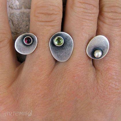 """Кольца ручной работы. Заказать Серебряное кольцо """"Третий"""". ARTemis. Ярмарка Мастеров. Двойное кольцо, геометрия, гранат"""