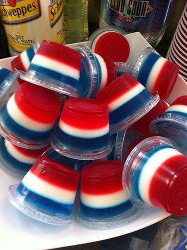Red White and Blue 4th of July Jello Shots Recipe! Jell-o shots are always Fun! #4th_of_July #Red_White_Blue #Jello_Shots #Boozy #Cocktail #Recipes