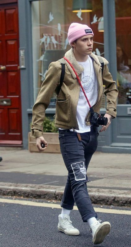 c3b9f6eb578 How to wear a beanie hat for men. Brooklyn Beckham with pink cuffed slouchy  beanie hat