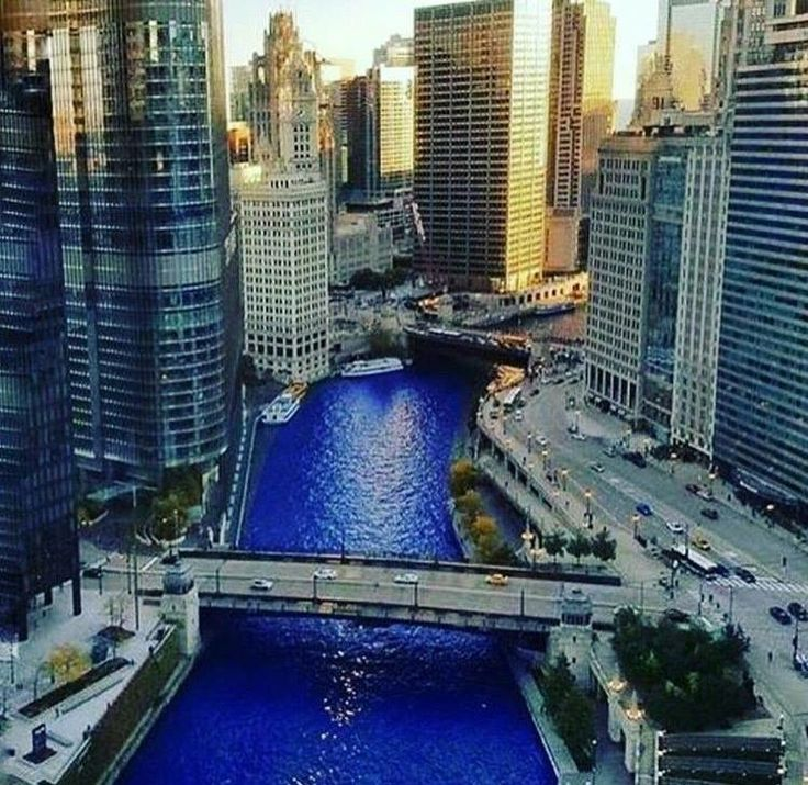"""The Chicago River turns """"Cubby"""" blue to celebrate the Chicago Cubs! PHOTOS: http://abc7.ws/2fkcWAv"""