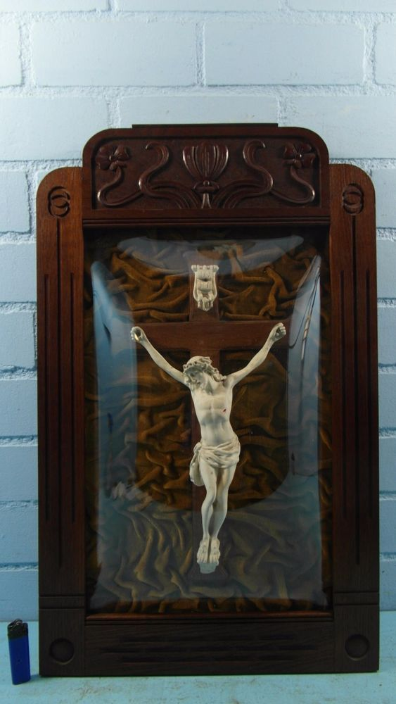 GORGEOUS ART NOUVEAU FRAMED CRUCIFIX WITH NICE SPHERE GLASS