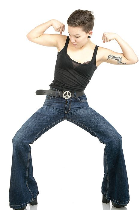 https://www.google.de/search?hl=de&biw=1093&bih=505&tbm=isch&sa=1&ei=37dkWsThC9OugAbPu62YDg&q=jeans+schlaghose+damen&oq=jeans+schlaghose+&gs_l=psy-ab.1.0.0l2j0i30k1l2j0i8i30k1.106569.106569.0.108387.1.1.0.0.0.0.92.92.1.1.0....0...1c.1.64.psy-ab..0.1.92....0.6dpwDN_XOuw#imgrc=keRH6ZI0Zeog0M: