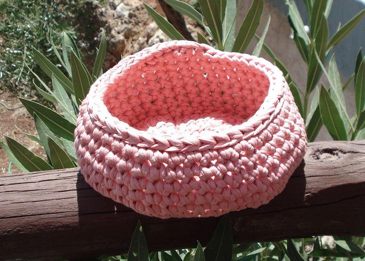 Πλεκτό καλάθι,χρώμα ρόζ έντονο. - copy