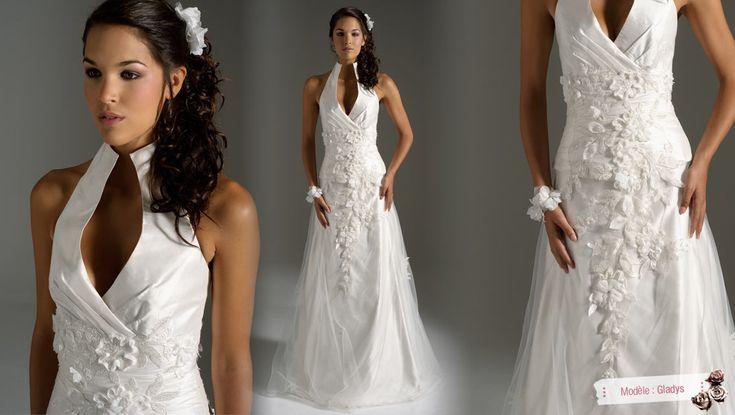 Nouvelle robe publiée!  Elsa Gary mod. Glady's. Pour seulement 700€! Economisez 50%! http://www.weddalia.com/fr/boutique-vendre-robe-de-mariee/elsa-gary-mod-gladys/ #RobesDeMariée www.weddalia.com/fr