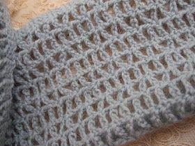 susan in stitches: Free Pattern Friday: Lyndham One-Skein Scarf