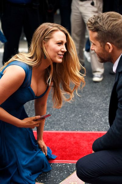 Blake Lively Photos Photos - Actor Blake Lively (L) and Ryan Reynolds attend a ceremony honoring Ryan Reynolds with a star on the Hollywood Walk of Fames on December 15, 2016 in Hollywood, California. - Ryan Reynolds Honored With Star On The Hollywood Walk Of Fame