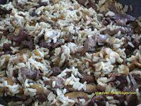lábas, fazék, fakanál: Csirkemájas-gombás-rizses egytálétel