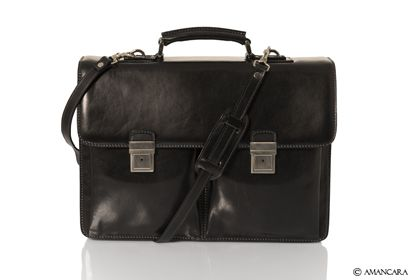 Amancara's William Work Bag is a classic look for any businessman. Made with shinny leather and modern hardware.