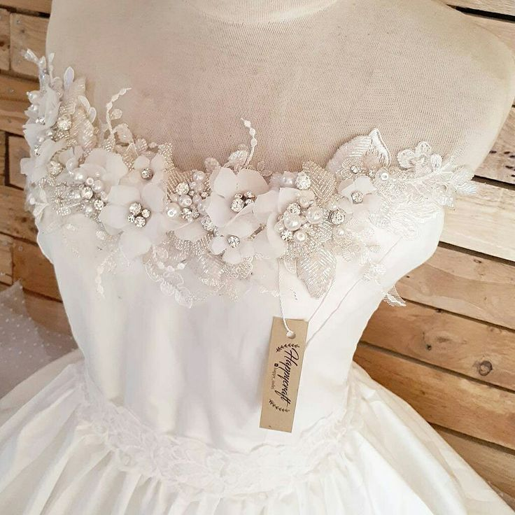 Application App dress/gown Bridal accessories Wedding gown